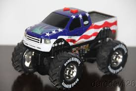 100 Bigfoot Monster Truck Toys TOY STATE Ford F150 USA Flag Battery