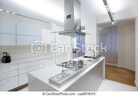 moderne weiße küche mit holzboden canstock