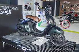 Vespa 946 Armani 125 Front Quarter At Auto Expo 2016