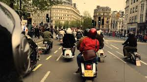 Buckingham Palace Scooter Run 2015 By Junak Vintage Scooters Hoozarcouk