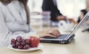 au bureau 8 8 raisons d opter pour la livraison de fruits au bureau