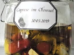 caprese im olivenöl geschenk aus der küche