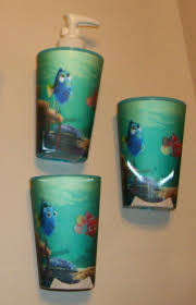 Finding Nemo Bathroom Theme by 100 Finding Nemo Bathroom Set Roommates 10 In X 18 In