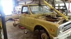 100 Lmc Truck Chevy Catalog 1970
