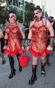 Crossdressed For Halloween by Top 10 Craziest Halloween Cross Dressing Costume Ideas Photos