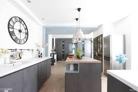 conception de cuisine en ligne une cuisine aux lignes épurées signée l agence maztri