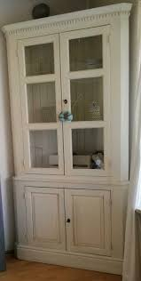 landhaus esszimmer eckschrank vitrine shabby