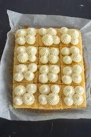 karottenkuchen vom blech mit frosting