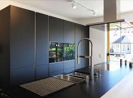 black is beautiful kleines wohndesign schüller küchen