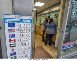 exchange bureau de change foreign currency exchange bureau de change stock photos
