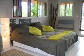chambre grise et verte chambre verte idées de décoration capreol us