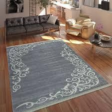 moderner teppich mit bedrucktem ranken muster trend design