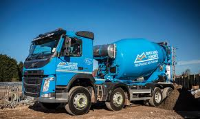 100 Concrete Truck Capacity Volvo FM 8x4 With Remote Control Mixer For Rock Solid Mixer