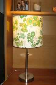 Tutorial How To Recover A Lampshade With Fabric