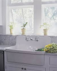 Farmhouse Style Sink by Best 25 Farmhouse Sinks Ideas On Pinterest Farm Sink Kitchen