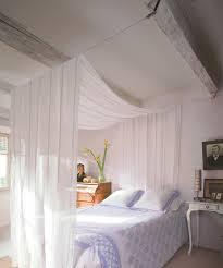 ciel de lit chambre adulte un ciel de lit en voilage pinteres