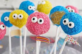 karneval cakepops kuchen am stiel backen mit globus