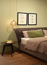 schlafen und entspannen in einem schlafzimmer der tischlerei