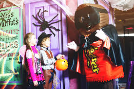Halloween Theme Parks California by Halloween Festivities For All Ages In The Theme Parks Minitime