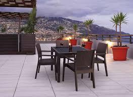 tables de jardin en resine table de jardin en résine achatdesign