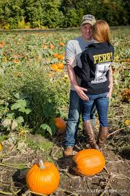 Michigan Pumpkin Patch Apple Orchard by Engagement Photography Michigan Fall Blake U0027s Apple Orchard Cidery