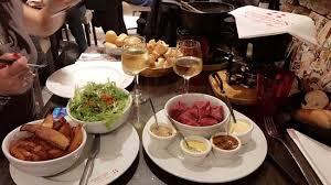 le chalet savoyard rue de charonne fondue bourguignonne picture of le chalet savoyard