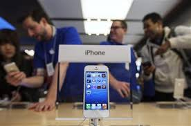 Apple iPhone 5 fever rages despite grumbling over maps