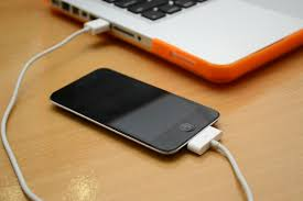 How to Charge Your iPod Touch Without the Plug in Charger 6 Steps
