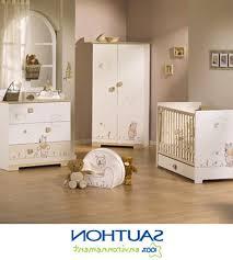 décoration chambre bébé winnie l ourson beautiful chambre bebe ourson pictures matkin info matkin info