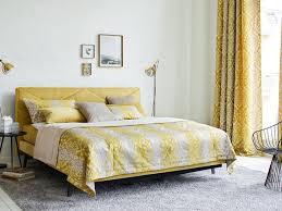 elegantes schlafzimmer im gelben stil wallachmoebelhaus