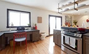 tag re suspendue plafond cuisine idee deco etageres suspendues