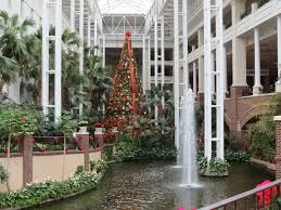 Christmas Tree Inn Pigeon Forge Tn by Christmassy Dreamworks Experience At Gaylord Opryland Resort