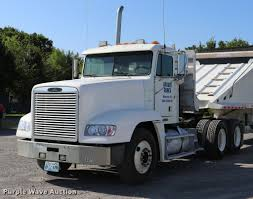 2001 Freightliner FLD120 Semi Truck | Item DK9577 | SOLD! Au... 1983 Kenworth K10 Semi Truck Item Dq9447 Sold September Truck Bank Repos For Sale Special Lender Financi Flickr 2000 Freightliner Fld Db0028 Decem 1972 Mack R Sale Sold At Auction July 16 2015 1986 Volvo White J6216 August 18 T Ok And Trailer Sales Alinum Semi Trailers For Livestock Cfigurations Awesome Trucks In Okc 7th And Pattison Refuse Trash Street Sewer Environmental Equipment 1999 T800 K8818 June 30 C Med Heavy Trucks For Sale 2009 Fld120 Sd Db4076