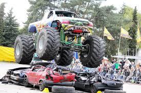 29.03.: Stunt- Und Monster-Truck-Show In Godorf