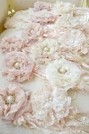 Shabby Chic Wedding Decor Pinterest by Best 25 Shabby Chic Flowers Ideas On Pinterest Shabby Chic