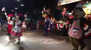 Final Do Mickey's Backyard BBQ - Walt Disney World - YouTube Mickeys Backyard Barbecue Refeio Com Personagens Na Disney Food 12 Kennythepiratecom Chip Dale Sailors Fort Wilderness Bbq Halloween 8 At In World Youtube 9 Building 3 Dancing With Goofy Backyard Walt Where To Dine For Thanksgiving Rwa17 Planning Guide Free Time Fun Elle Mason Best Images On Pinterest Food