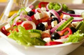 cuisine grecque recette salade grecque à la féta recettes de cuisine grècque