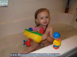 Caillou In The Bathtub Reaction by Caillou Bathtub 28 Images Caillou Bathtime Activity Review