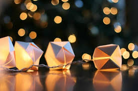 DIY transform old Christmas lights into adorable mini paper cube