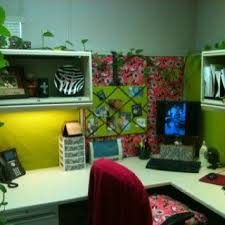 Cute Ways To Decorate Cubicle by 8 Best Cubicle Inspiration Images On Pinterest Cubicle Design