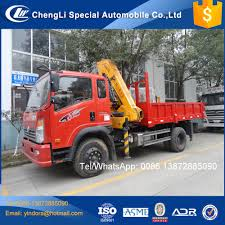 Sinotruk Howo Light Duty Small Truck Lift 6 Wheeler Truck Cranes For ...