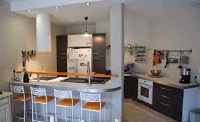 hotte de cuisine centrale cuisine avec hotte ilot hotte aspirante de cuisine