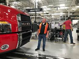 100 New Mack Trucks Jamie Davis Is Making A 30 Ton Wrecker With His Brand New Here