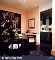 achtziger jahre esszimmer mit orientalischen großbild auf