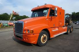 2005 Freightliner CST120 Tandem Axle Sleeper Cab Tractor For Sale By ...