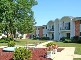 3 Bedroom Apartments Milwaukee Wi by Bluemound Village Apartments Milwaukee Wi Walk Score