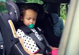 siege auto pivotant des la naissance découvrez le spin 360 un siège auto pivotant de la naissance à 4