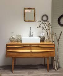 50er 60er midcentury badmöbel ein badezimmer das im trend