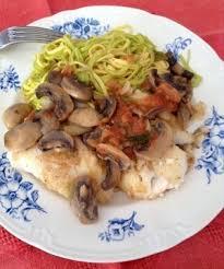 cuisiner le dos de cabillaud à la poele dos de cabillaud poêlé et sa sauce aux légumes recette iterroir