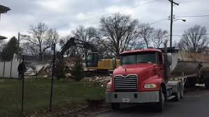 Belleville IL Tears Down Condemned Home On Wabash Avenue ... Iteam Trucks Identified In Deadly I55 Nb Crash At Arsenal Rd New Restaurant Bar Edwardsville Il Will Offer Craft Beer Taco Bell On American Inrstates Beelman Truck Company Flickr Trucking Reddaway Proposal P 201708 Take 2 Frameless Dump Youtube Wilson Trucking Corp Yenimescaleco Our Services Evrard Strang Cstruction